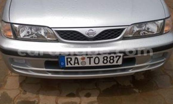 Acheter Voiture Nissan Almera Gris à Lomé en Togo