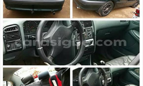 Acheter Voiture Toyota Avensis Vert à Lomé en Togo