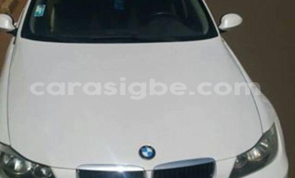 Acheter Voiture BMW 3-Series Blanc à Lomé en Togo