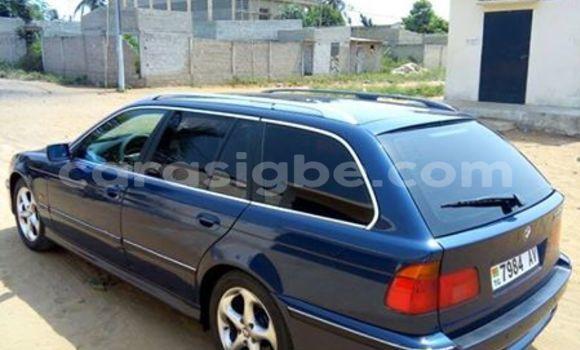 Acheter Voiture BMW 5-Series Bleu à Lomé en Togo
