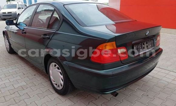 Acheter Voiture BMW 3-Series Vert à Adawlato en Togo