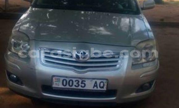 Acheter Voiture Toyota Avensis Gris à Adawlato en Togo