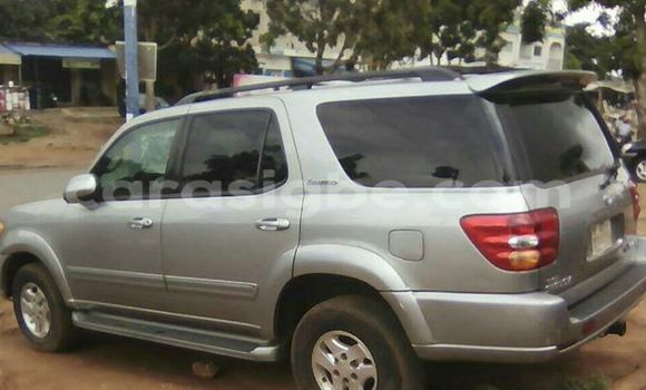 Acheter Voiture Toyota Sequoia Gris à Adawlato en Togo