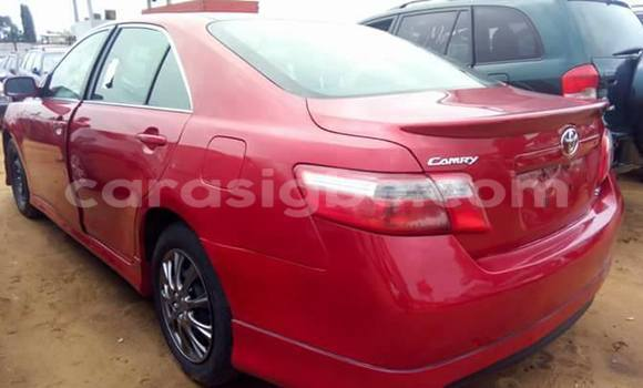 Acheter Voiture Toyota Camry Rouge à Adawlato en Togo